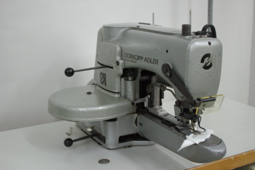 Používaný stroj Durkopp Adler
